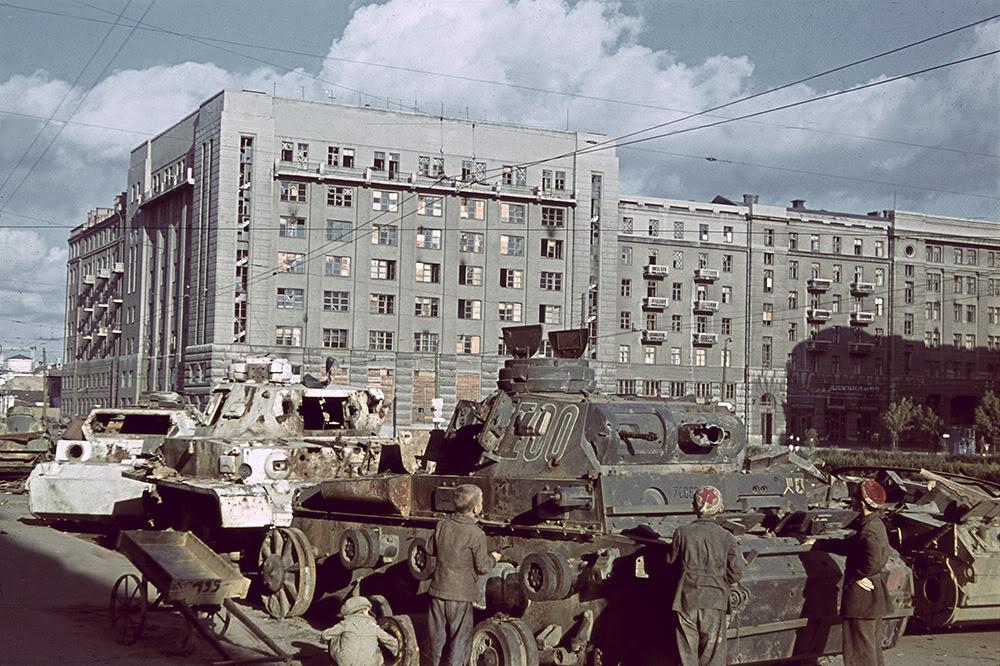 16000000 Харьков времен немецкой оккупации в цвете