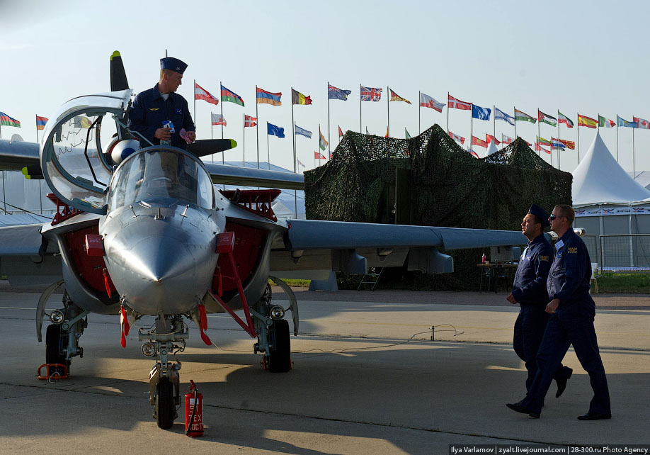 2064 Путин на Международном авиасалоне МАКС 2011