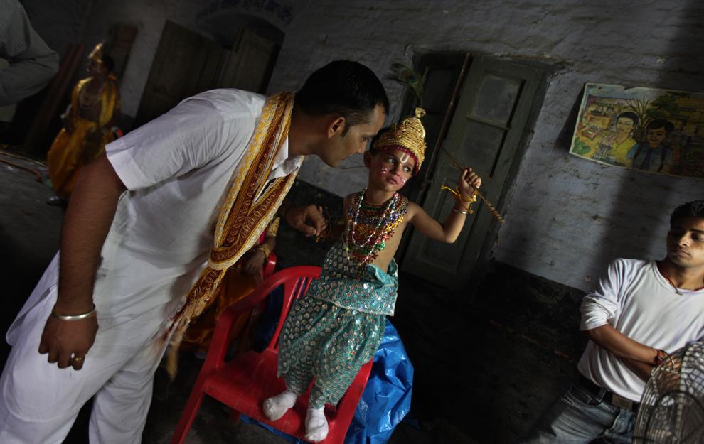 21122 Индийский фестиваль Кришна джанмаштами