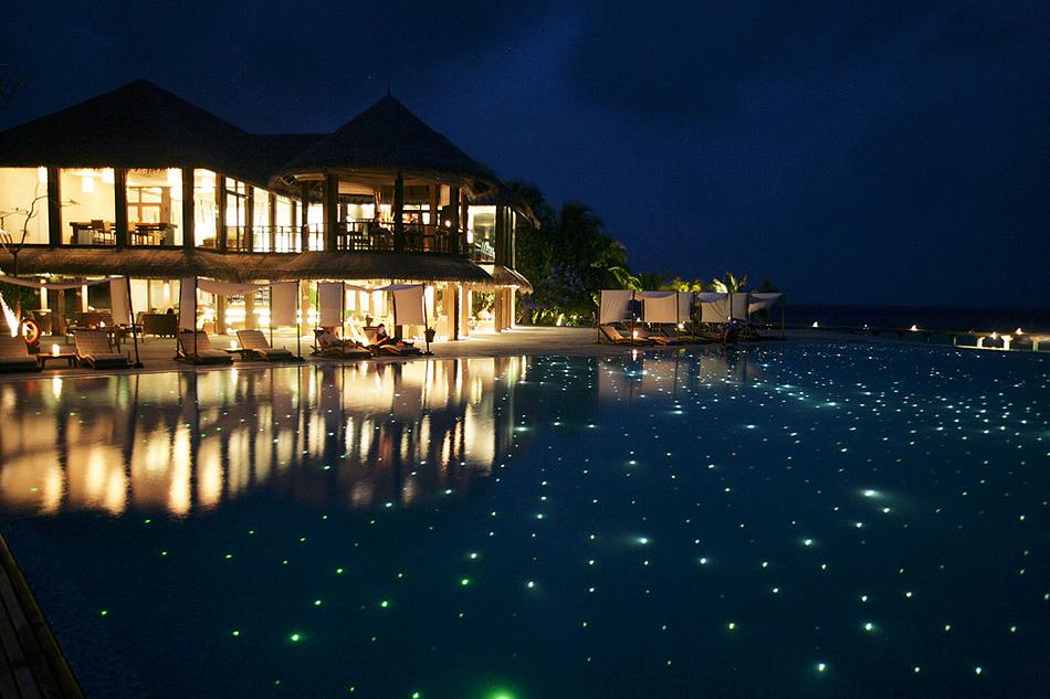 2410 Отель Coco Palm Bodu Hithi на Мальдивах