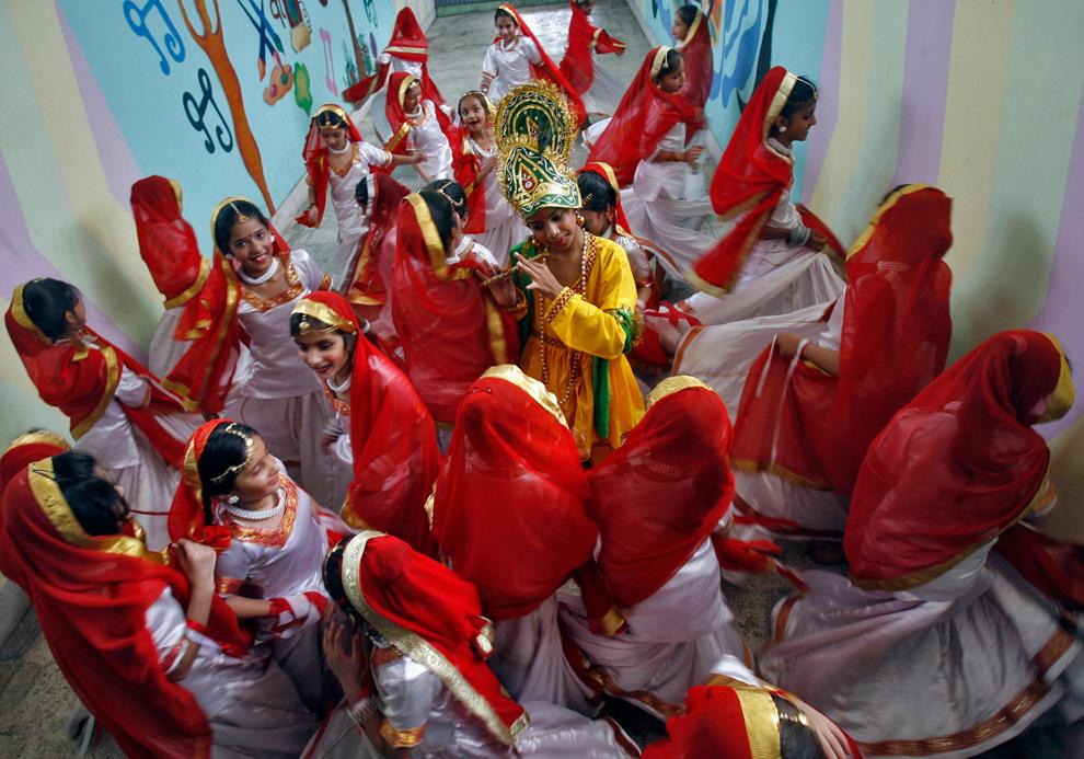 2661 Индийский фестиваль Кришна джанмаштами