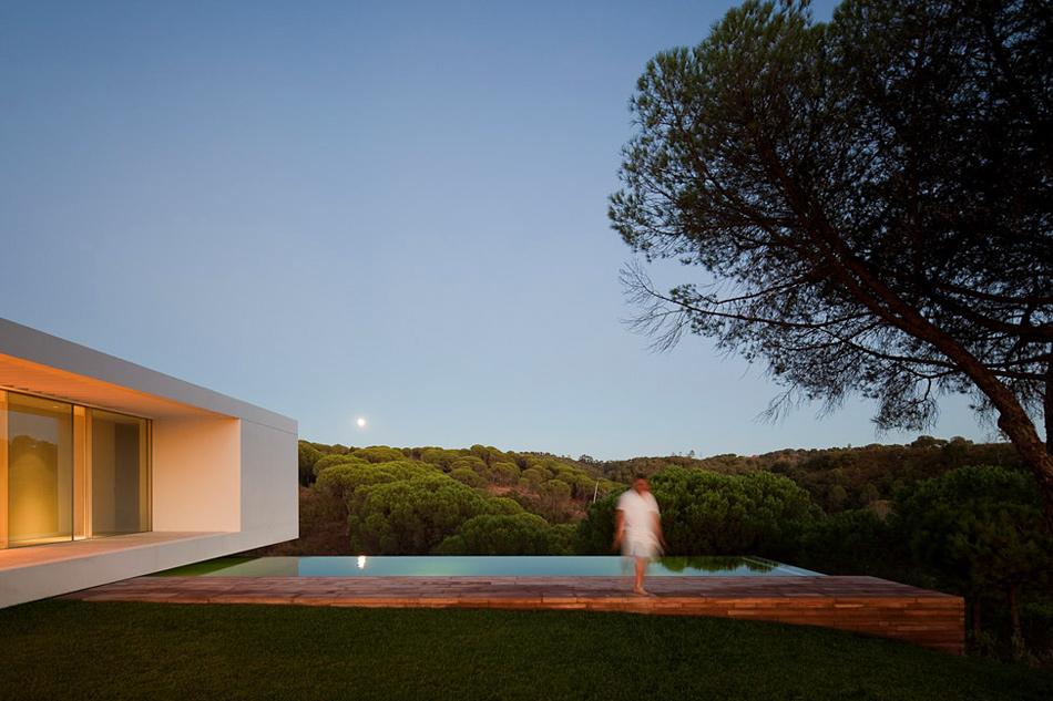 Загородный дом от Pedro Reis в ПортугалииЗагородный