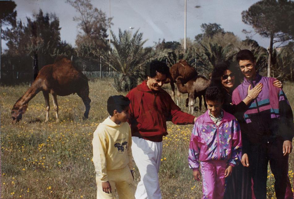 IMAGES06 Фотографии из семейного альбома полковника Каддафи