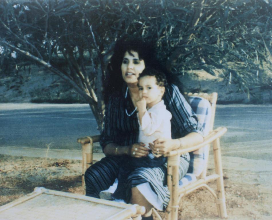 IMAGES07 Фотографии из семейного альбома полковника Каддафи