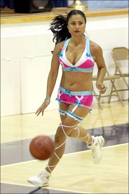 Секси девушка баскетбол