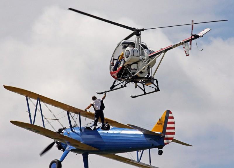 avia03 800x575 Смерть американского каскадера на авиашоу