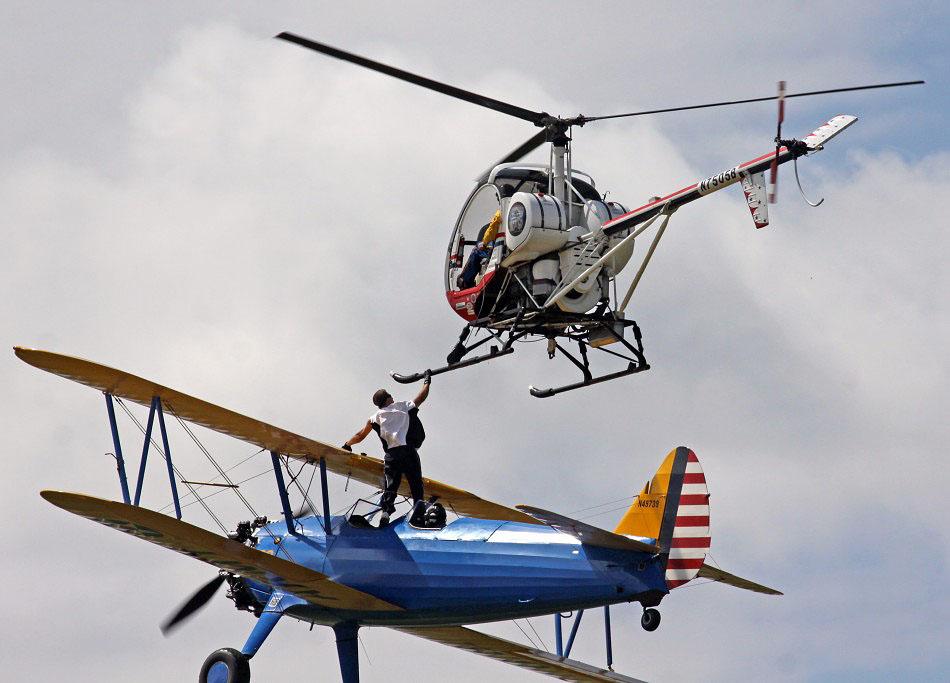 avia03 Смерть американского каскадера на авиашоу