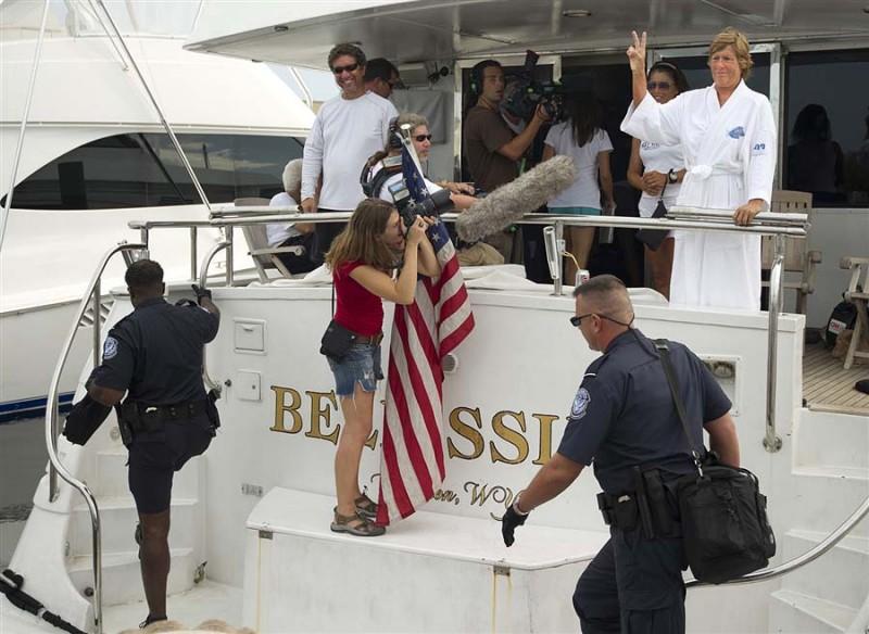 61-летней американке не удалось доплыть от Кубы до Флориды