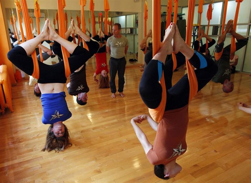 pb 110817 antigravity yoga eg 01.photoblog900 800x583 Антигравитационная йога