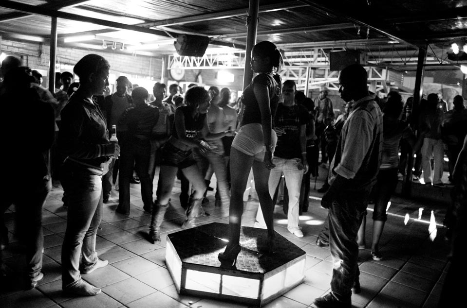 10 197 Terlalu Cepat cinta: kehidupan di Swaziland kontemporer