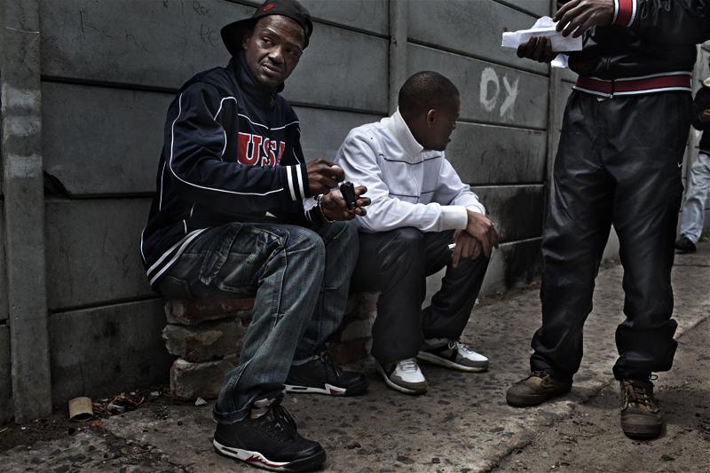 12 199 geng di Afrika Selatan