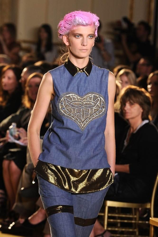 Забавный и эксцентричный стиль на Нью-Йоркской неделе моды.