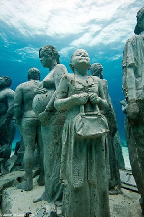 157441 t Подводные скульптуры превращаются в чудеса природы