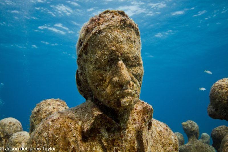 157447 t Подводные скульптуры превращаются в чудеса природы