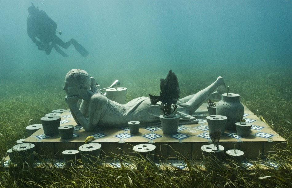 157452 a Подводные скульптуры превращаются в чудеса природы