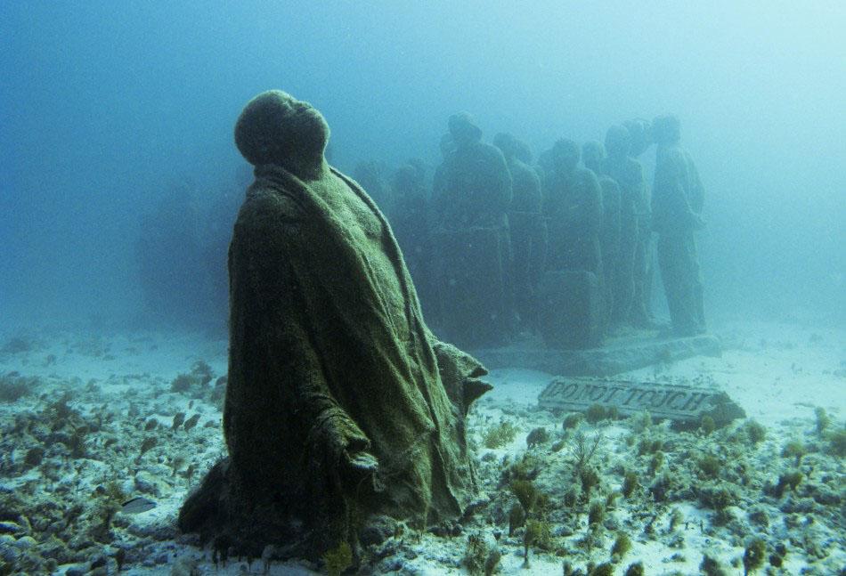 157453 f Подводные скульптуры превращаются в чудеса природы