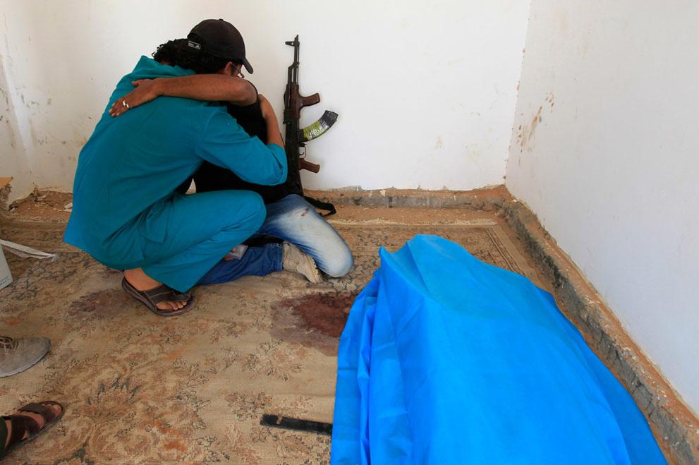 23 128 pemberontak menyerang di Libya sisa perlawanan pasukan Gaddafi