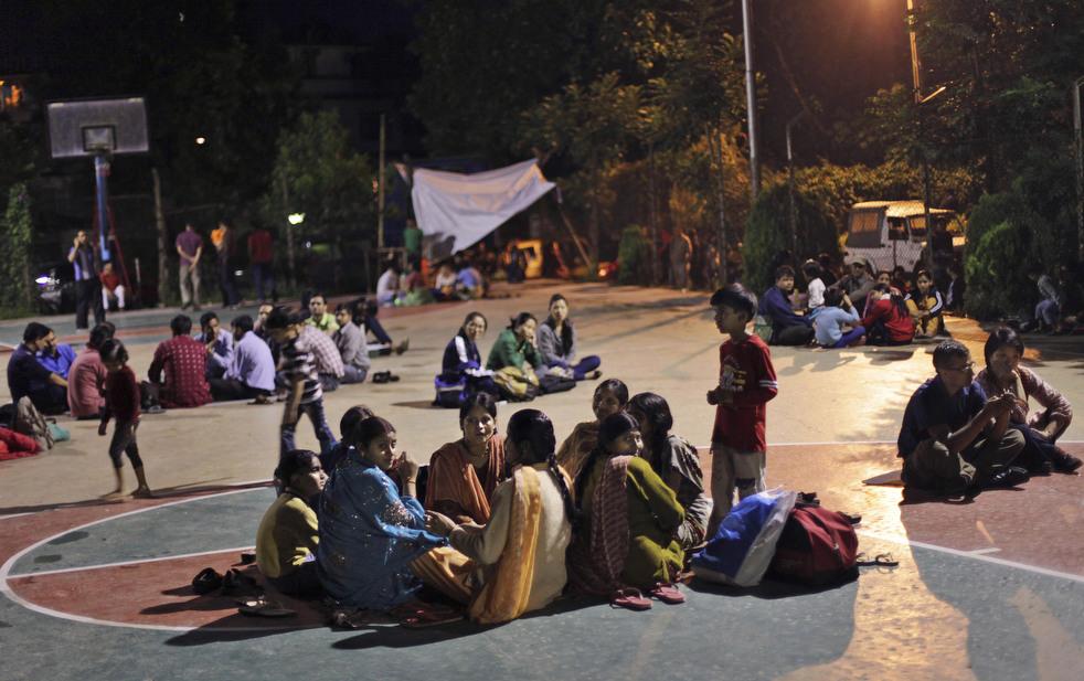 Jumlah korban gempa bumi di India tumbuh