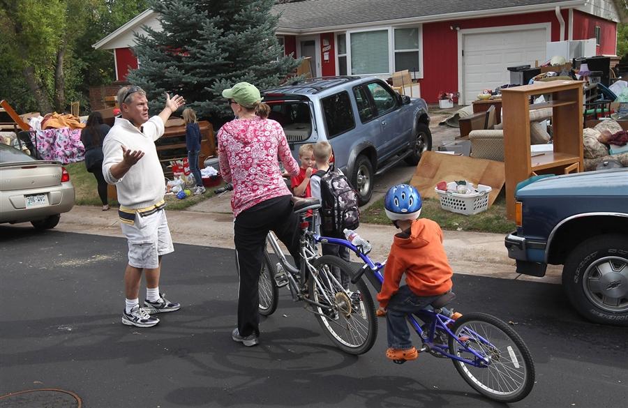 5157 Как американскую семью выкинули на улицу из за долга в 100 долларов