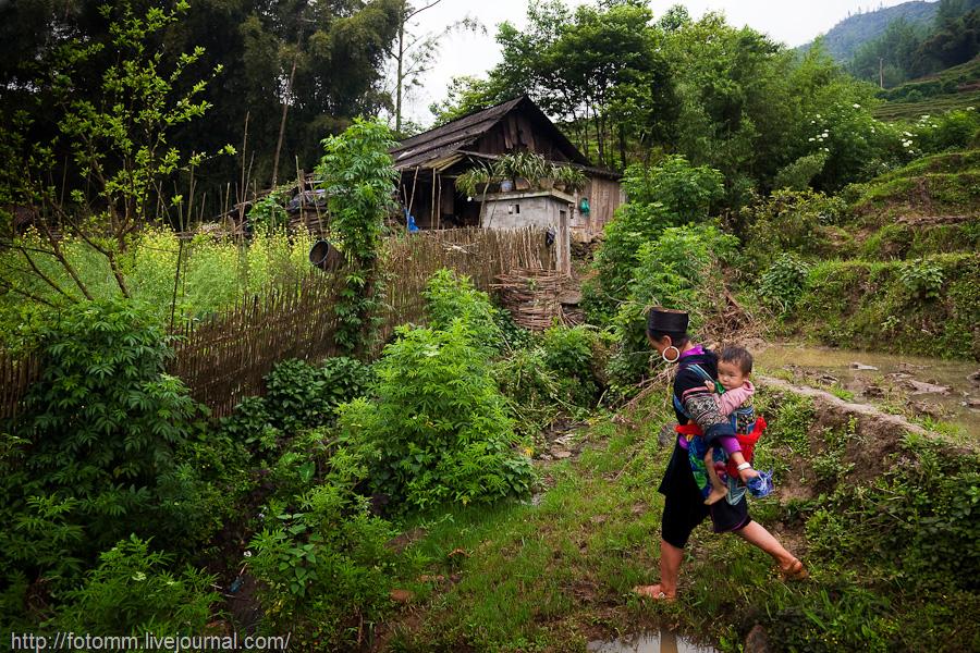 Vietnam Utara.  Di rumah petani.