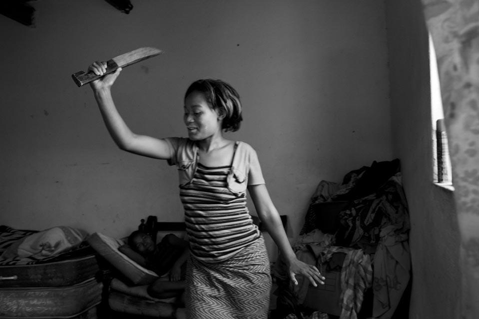 8194 Terlalu Cepat cinta: kehidupan di Swaziland kontemporer