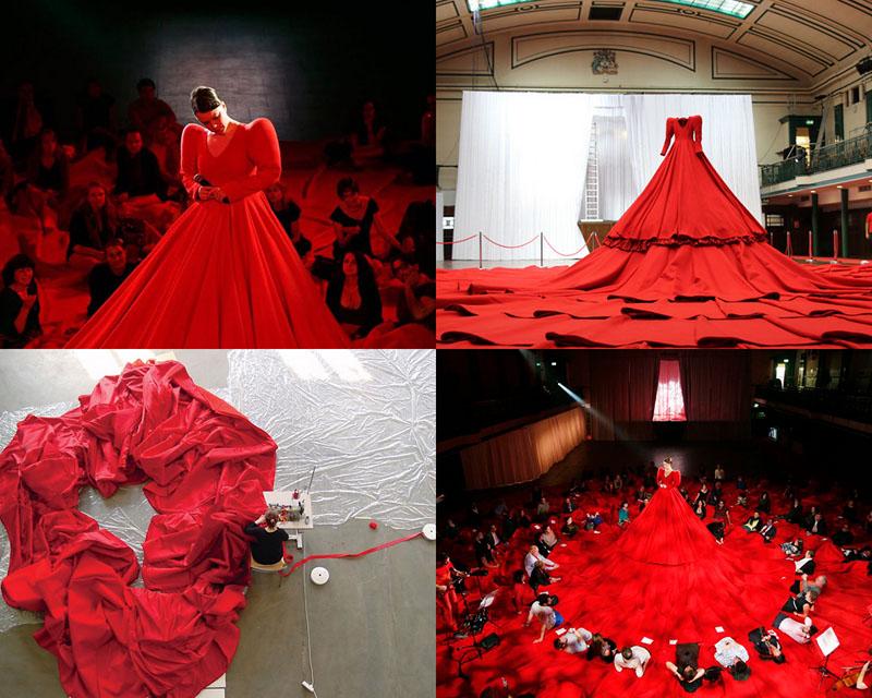 BIGPIC182 Гигантское красное платье концертный зал