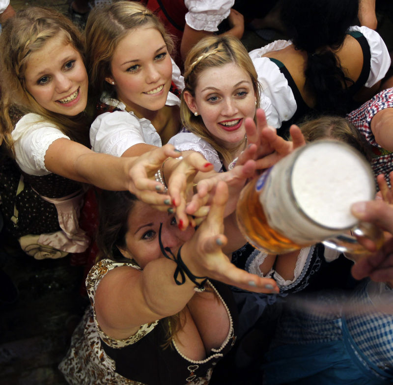 945 558 jardín álbum más grande de cerveza Oktoberfest en Munich abre la