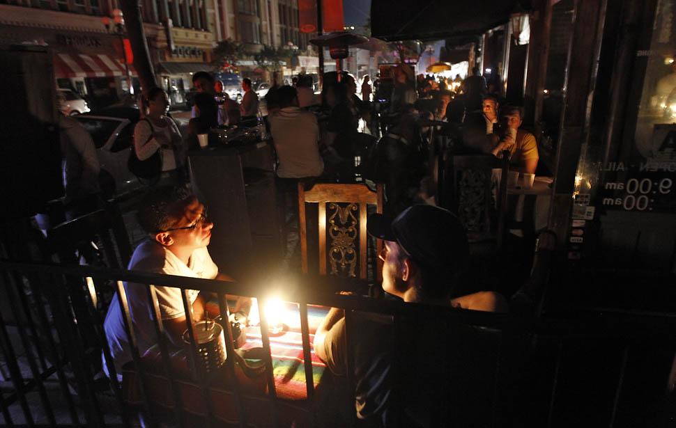 blackout01 4 juta orang Amerika tanpa listrik