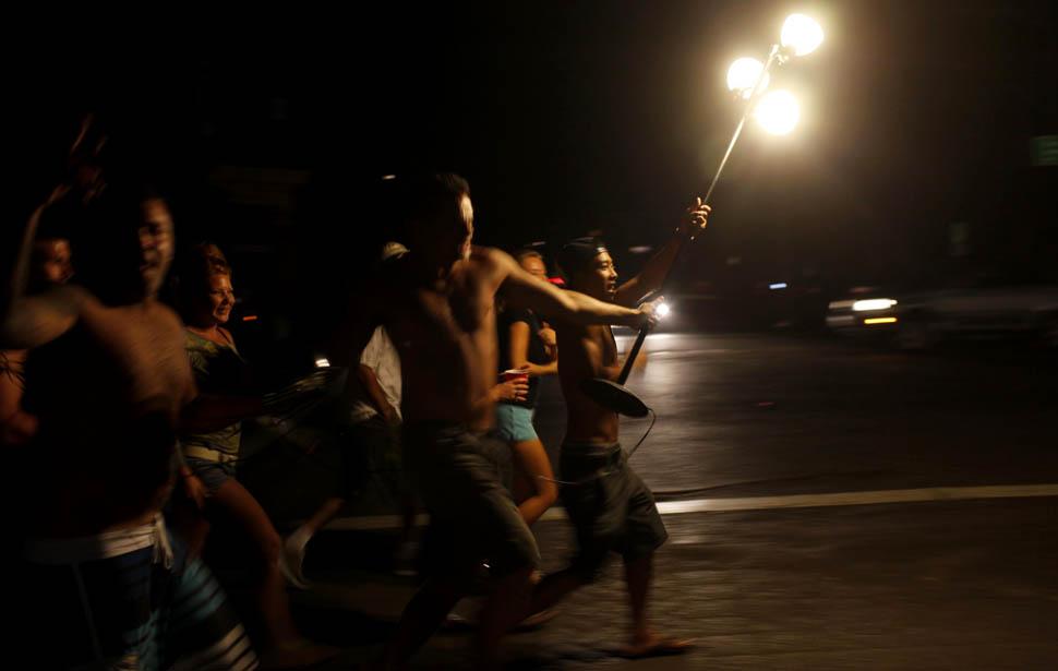 blackout03 4 juta orang Amerika tanpa listrik