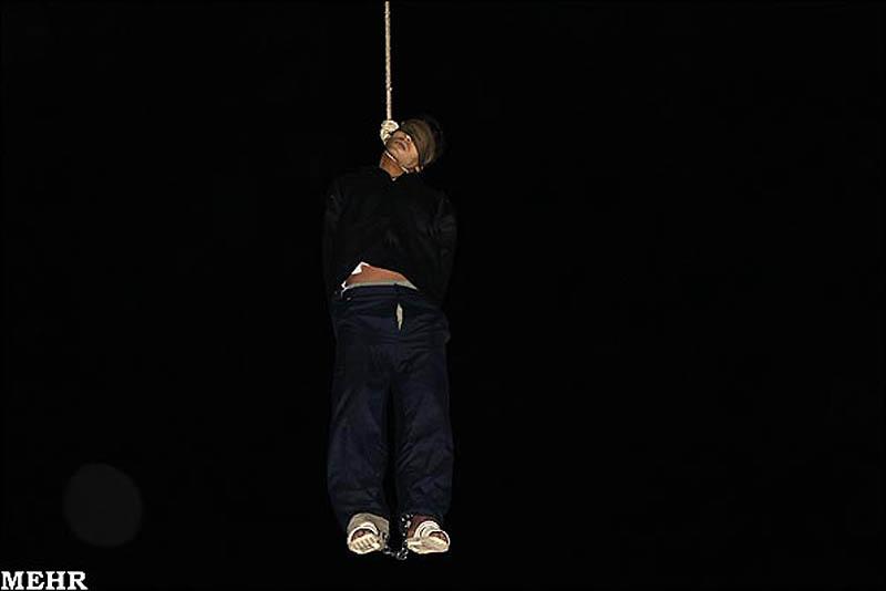 execution01 publik tergantung di Iran pembunuh remaja