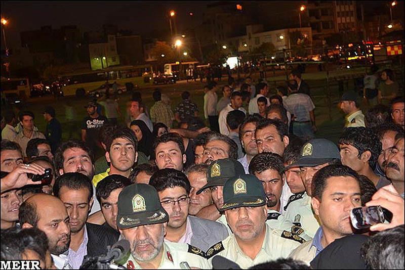 execution05 publik tergantung di Iran pembunuh remaja