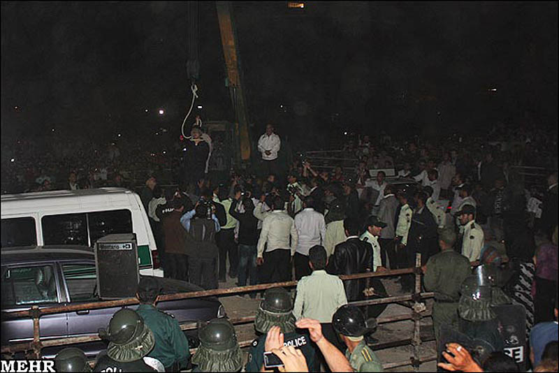 execution06 publik tergantung di Iran pembunuh remaja