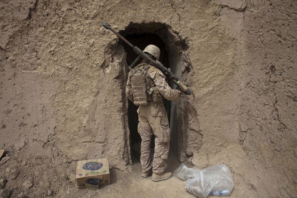 marines01 patroli di Afghanistan dasar 302