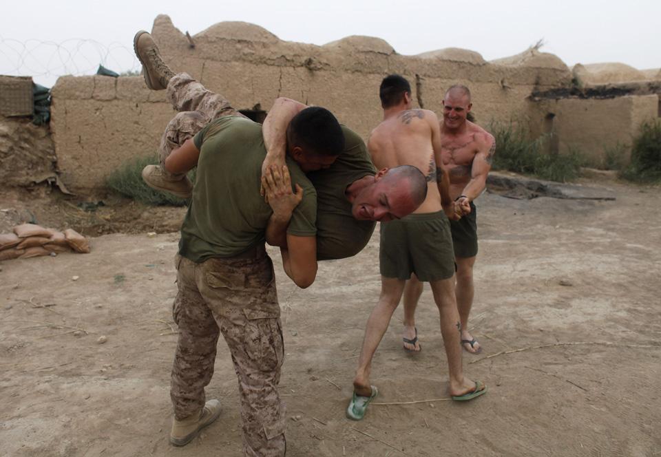 marines09 patroli di Afghanistan dasar 302