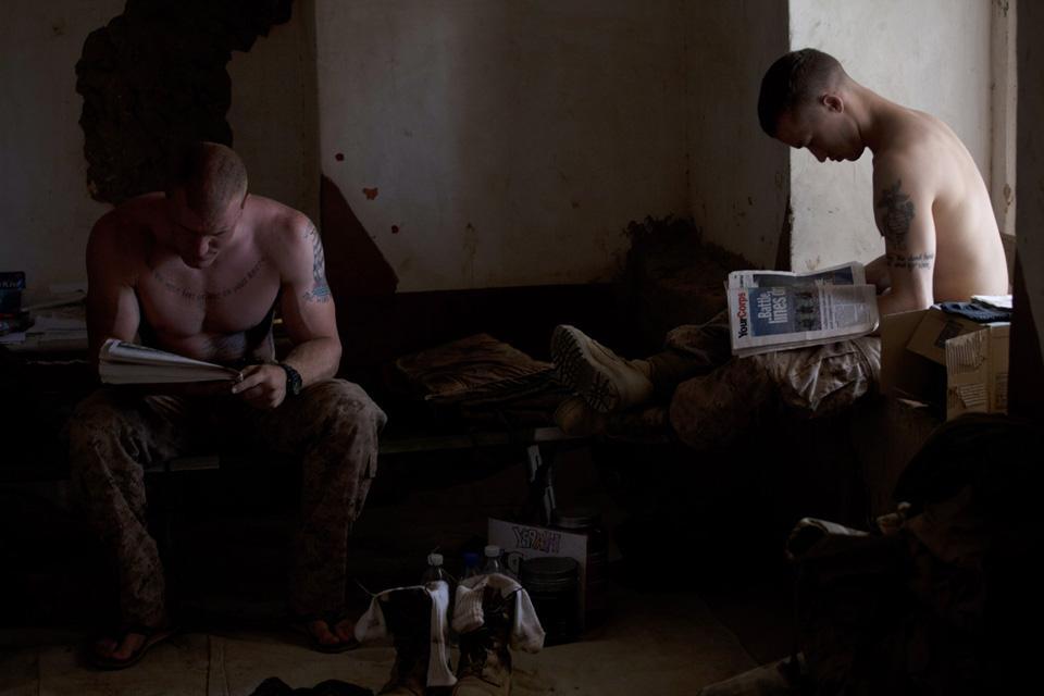 marines13 patroli di Afghanistan dasar 302