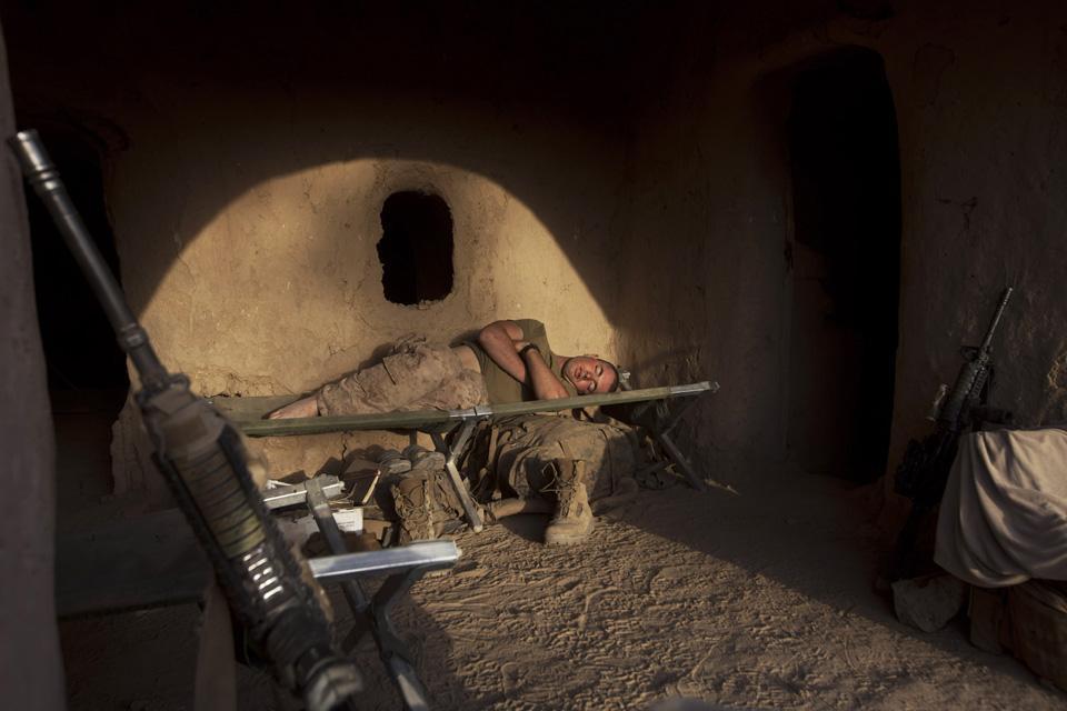 marines14 patroli di Afghanistan dasar 302