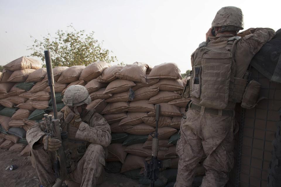 marines19 patroli di Afghanistan dasar 302