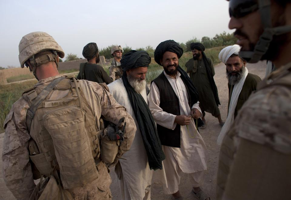 marines20 patroli di Afghanistan dasar 302