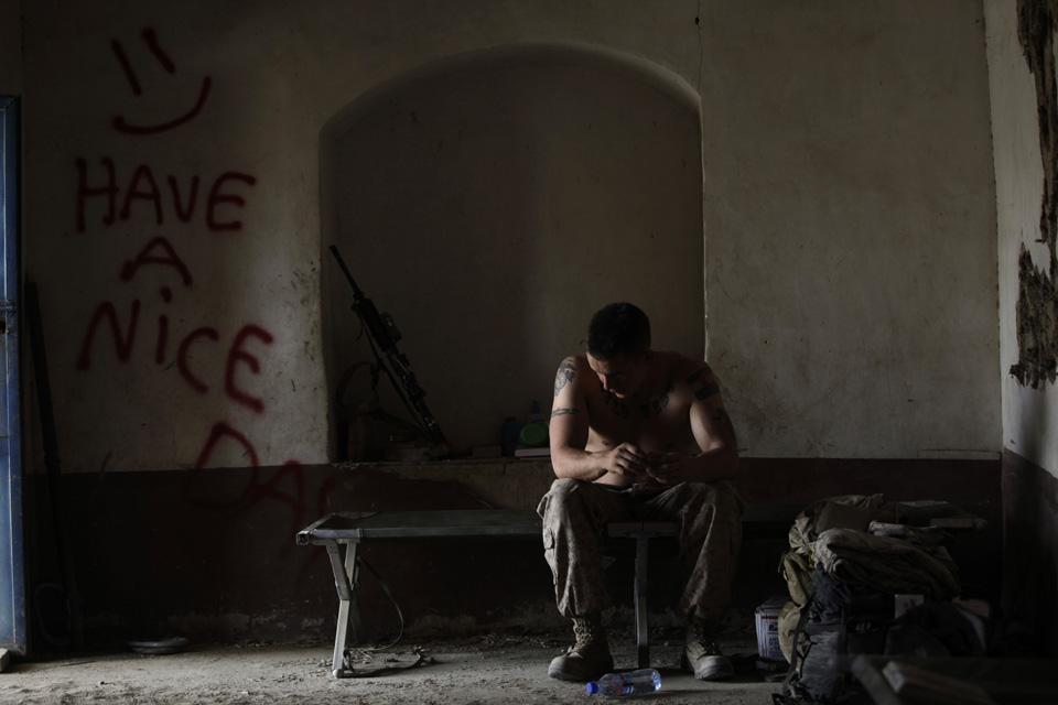 marines21 patroli di Afghanistan dasar 302