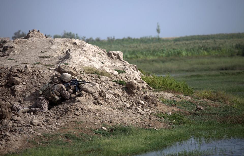 marines33 patroli di Afghanistan dasar 302