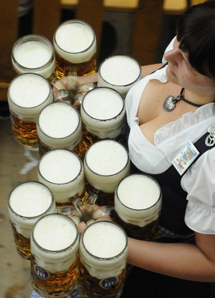 munich15 В Мюнхене открылся пивной Октоберфест