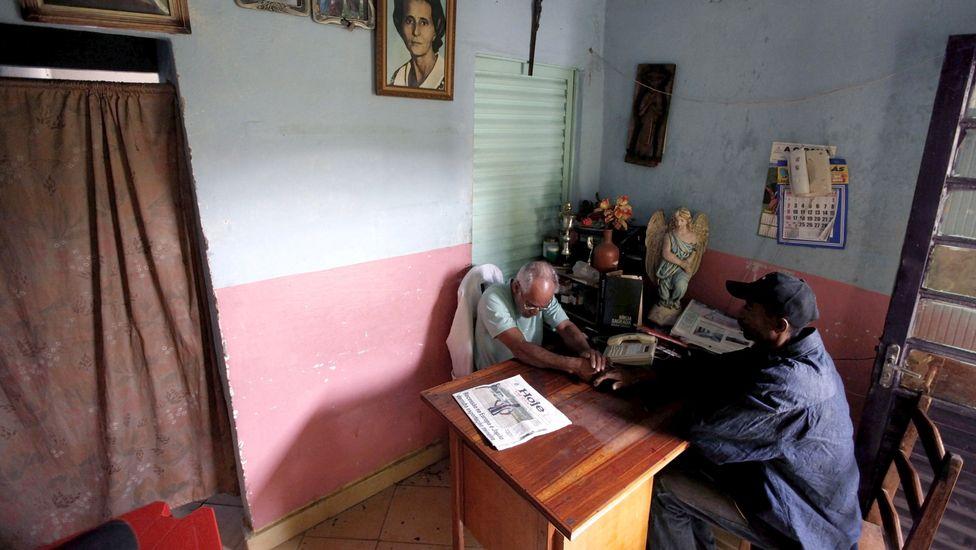 rossi5 Пожилой бразилец 23 года спит в гробу