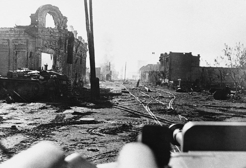 war26 Вторая мировая война: Восточный фронт. 26. Руины Сталинграда, 5 ноября 1942 года. (AP Photo)