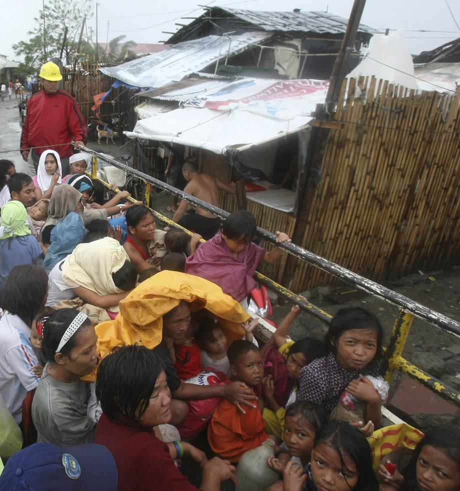 "123 Topan ""Nesat"" di Filipina"