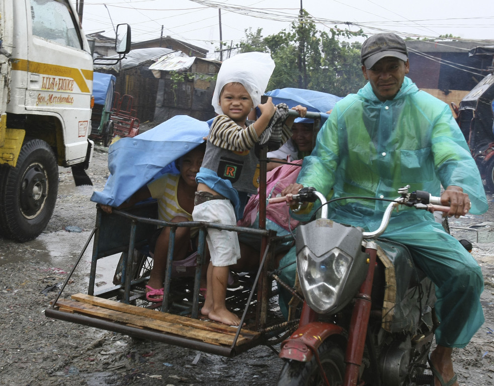 "133 Topan ""Nesat"" di Filipina"