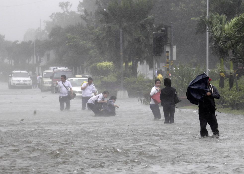 "153 Topan ""Nesat"" di Filipina"
