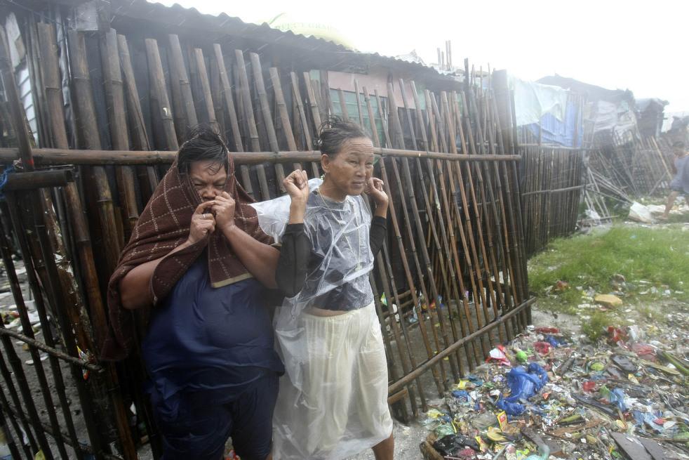 "163 Topan ""Nesat"" di Filipina"