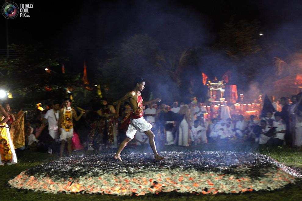 1711 Vegetarian Festival di Thailand