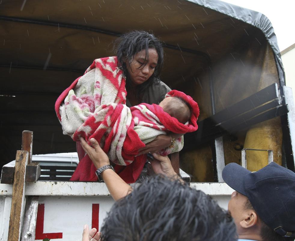 "172 Topan ""Nesat"" di Filipina"