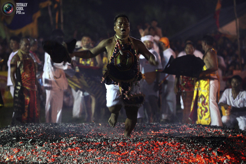 1811 Vegetarian Festival di Thailand